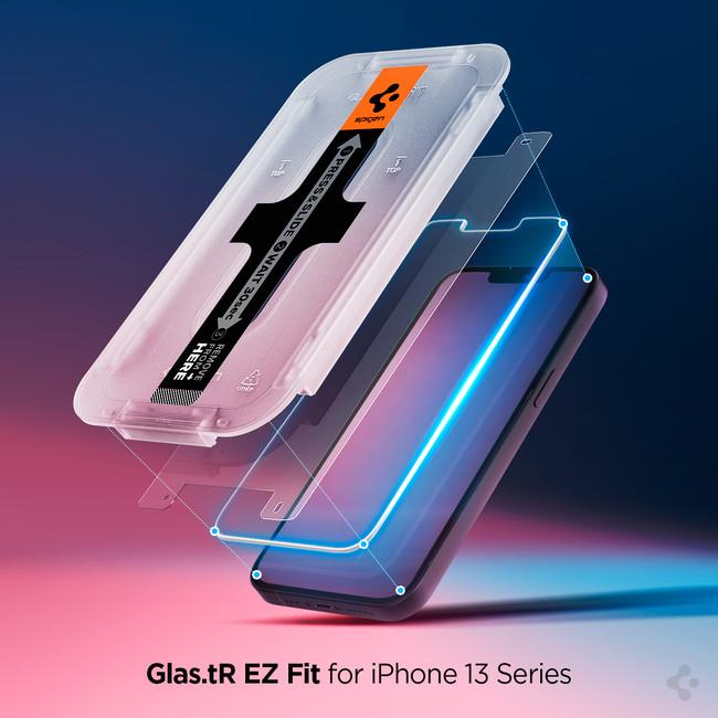 iPhone 13 シリーズ専用の貼付キット付きガラスフィルム「EZ Fit」